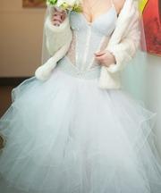 Подам красивое свадебное платье