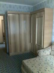 Продам мебель б/у в хорошем состоянии:  Два шкафа в спальню,  две раздв